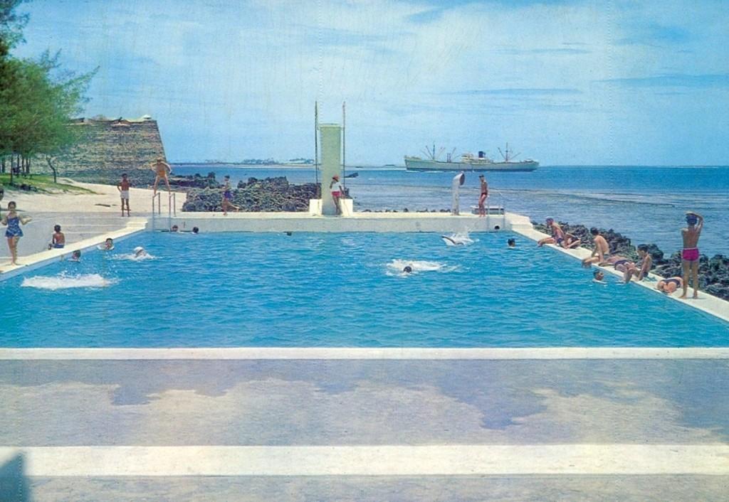 Vista da piscina da Ilha de Moçambique, anos 60.